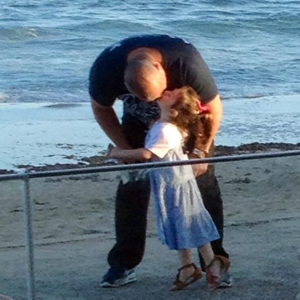 _Beach Kiss 595