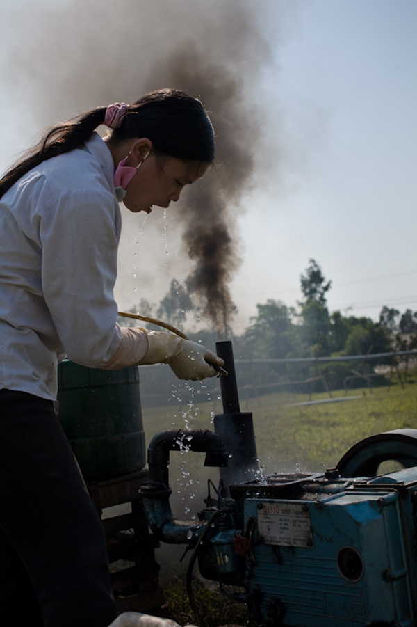 Hanh Siphoning Tainted Stream Water Bat Trang