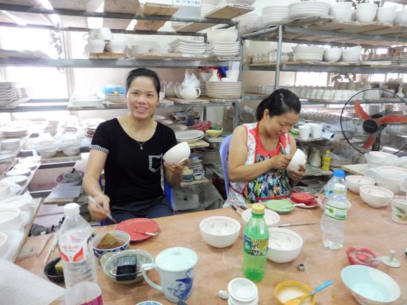 My principle painting teachers: Van Anh & Huong Linh.