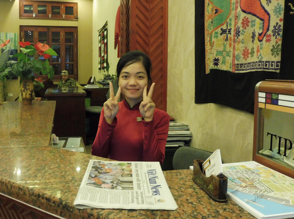 Lina, the morning receptionist at Artisan Lakeview Hotel, my temporary Hanoi home. Lina & I had an interesting discussion about English phonetics.